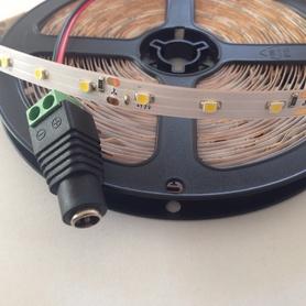 LED Streifen 7m Warmweiss 3528 60LEDs/m Nicht Wasserdicht und NETZTEIL